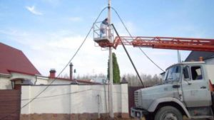 Как правильно провести электричество на участок