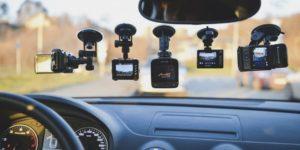 kak-pravilno-vybrat-videoregistrator-dlya-avtomobilya (1)