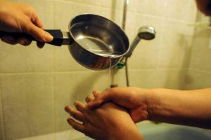 kuda-zvonit-esli-ne-dali-goryachuyu-vodu-posle-planovogo-otklyucheniya (1)