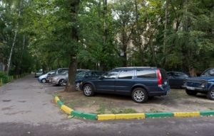 na-kakom-rasstoyanii-ot-perekrestka-mozhno-parkovatsya-v-rossii (1)